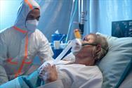 یک نفر از هر دو بیمار کووید۱۹ بستری شده دچار عارضه میشود